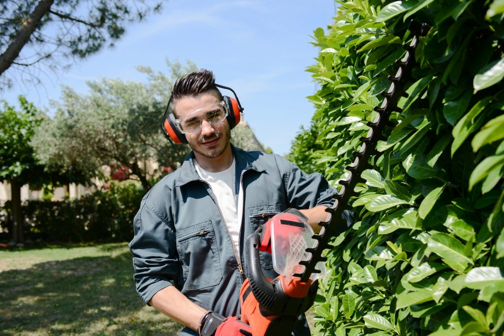 Landscaper and Gardener Insurance Quotes