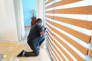 Blind Curtain installer